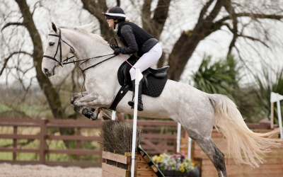 Birthday Present 'Bella' delivers for Rosie at Baileys Horse Feeds Flexi Eventing – Results – 22nd Feb